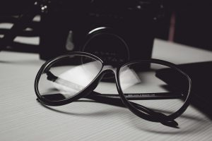 eyeglasses 300x200 - How to Win the Main Prize on a Photography Contest?
