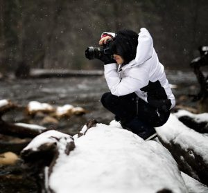phtographer winter 300x279 - What You Need to Know to Run Your Photography Blog Successfully